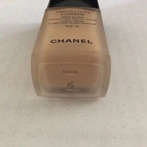CHANEL Makeup - Chanel perfection Lumiere- 60 beige